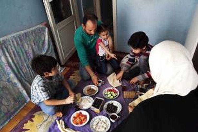 Anna Surinyach /MSF  Sebuah keluarga pengungsi Suriah  yang tinggal di Istanbul, Turki.