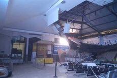 Imbas Plafon Ambruk, Ruang Keberangkatan KA Ekonomi Stasiun Pasar Turi Surabaya Ditutup