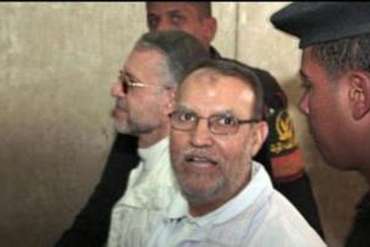 Aparat keamanan Mesir menangkap salah seorang petinggi Ikhwanul Muslimin, Essam el-Erian di Kairo.