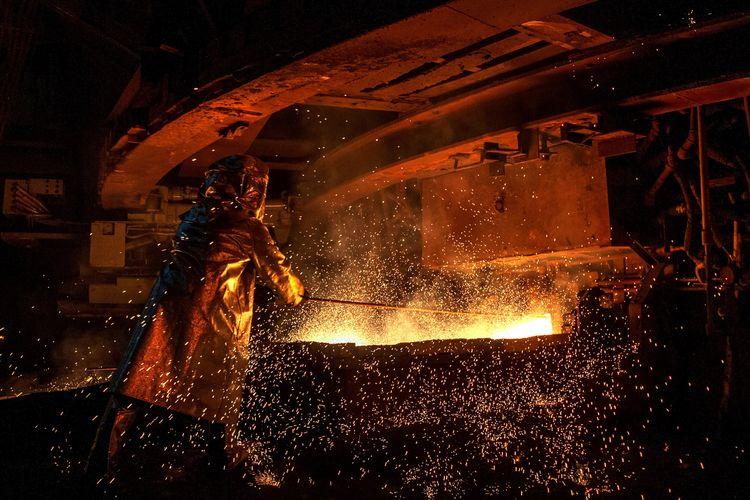 Aktivitas pekerja di smelter PT Vale di Sorowako, Sulawesi Selatan. Gambar diambil pada 30 Maret 2019.