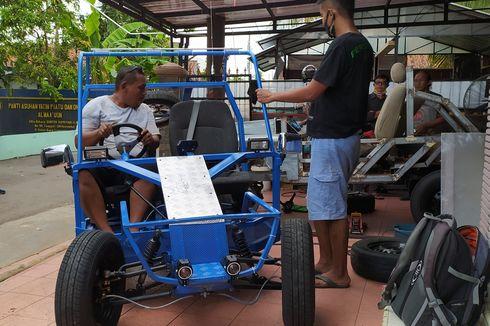 Kisah Pembuat Mobil Listrik AHC 01, Sempat Diremehkan Orang dan Dicuekin Pemkab