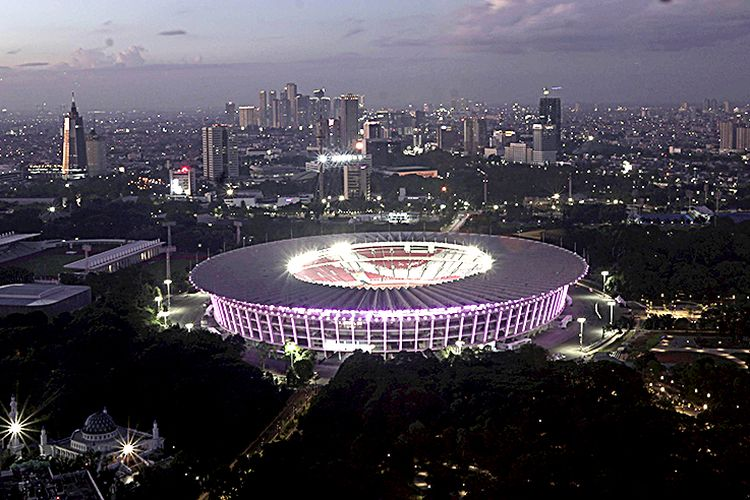 Kawasan Gelora Bung Karno yang akan dijadikan ajang olahraga Asian Games 2018 di Senayan, Jakarta, Jumat (16/2/2018). Asian Games membutuhkan dana besar dan tidak semuanya bisa dipenuhi oleh pemerintah. Kelihaian menggaet sponsor dengan paket-paket yang menarik pun menjadi sangat penting.  Kompas/Agus Susanto (AGS) 18-02-2018