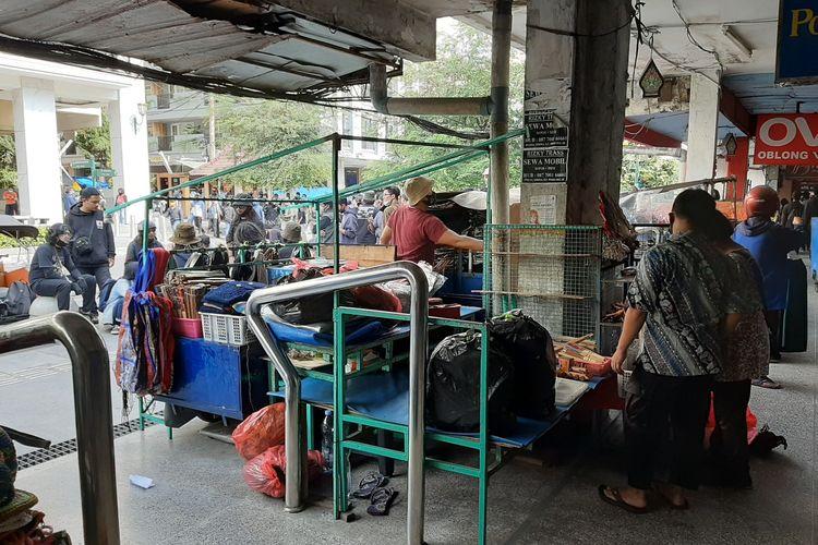 Pedagang Kaki Lima di Jalan Malioboro memutuskan untuk menutup lapak daganganya