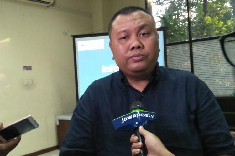 Pengamat komunikasi politik Hendri Satrio saat ditemui seusai diskusi di kantot YLBHI, Jakarta, Jumat (11/10).