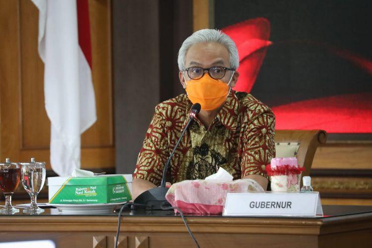 Gubernur Jateng Ganjar Pranowo menghadiri Rapat Koordinasi (Rakoor) penanganan Covid-19 di Kantor Gubernur Jateng, Semarang, Selasa (1/12/2020).