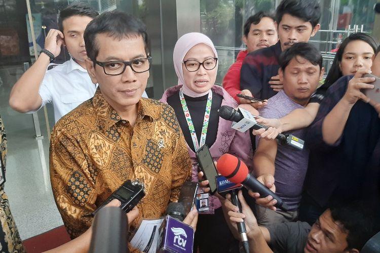 Menteri Pariwisata dan Ekonomi Kreatif Wishnutama Kusubandio memberi keterangan kepada wartawan usai menyerahkan Laporan Harta Kekayaan Penyelenggara Negara di Gedung Merah Putih KPK, Kamis (9/1/2020) sore.