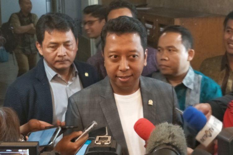 Ketua Umum Partai Persatuan Pembangunan (PPP) Romahurmuziy saat ditemui di Kompleks Parlemen, Senayan, Jakarta, Selasa (13/3/2018).