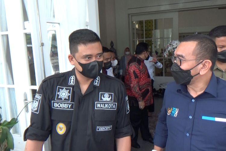 Wali Kota Medan, Bobby Nasution menyebut, fasilitas rapid test drive thru yang digeledah kepolisian seharusnya tetap dibuka. (KOMPAS.com/DANIEL PEKUWALI)