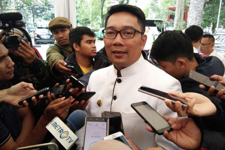 Kandidat gubernur Jawa Barat Ridwan Kamil saat ditemui wartawan di Balai Kota Bandung, Jalan Wastukancana, Selasa (19/12/2017).