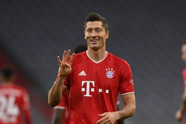 Penyerang Bayern Muenchen, Robert Lewandowski, mencetak empat gol ke gawang Hertha Berlin, Minggu (4/10/2020) pada lanjutan Bundesliga 2020-2021.