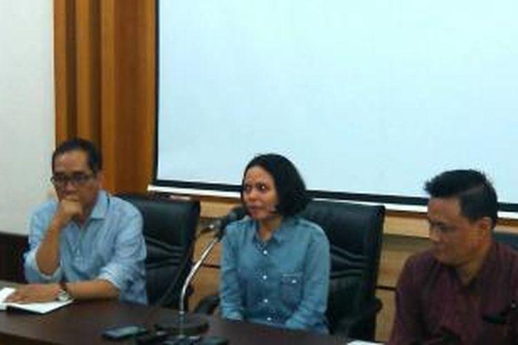Florence sihombing saat meminta maaf kepada masyarakat Yogya usai menjalani sidang etik di Fakultas Hukum Universitas Gadjah Mada, Kamis (4/9/2014)