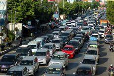 Saat Jalan Macet, Sebaiknya Tuas Transmisi Mobil Matik Berada di Netral atau Drive?