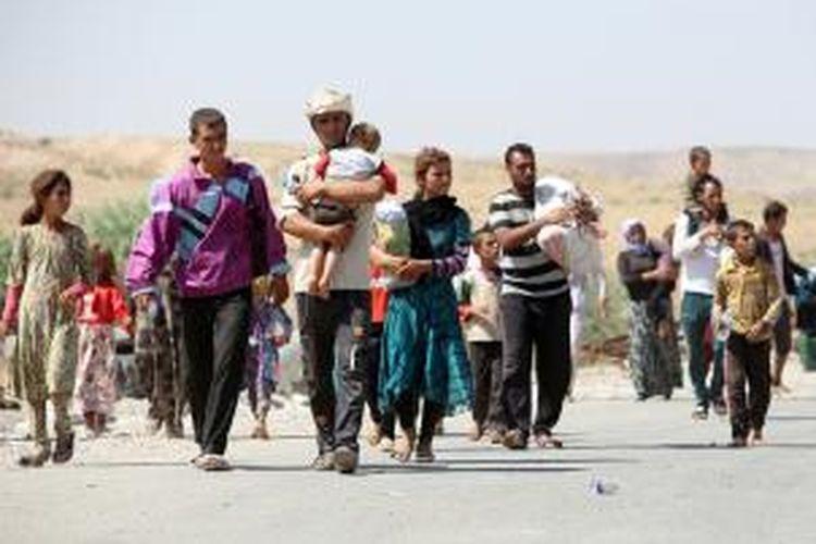 PBB memperkirakan sekitar 20.000-30.000 warga etnis Yazidi masih terjebak di Gunung Sinjar setelah melarikan diri dari kejaran ISIS.