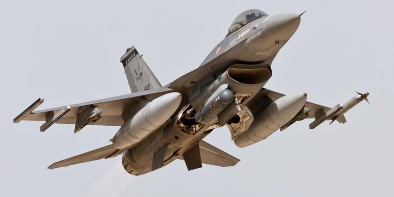 ilustrasi pesawat tempur F16