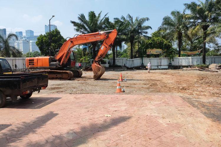Pembangunan monumen TPU Karet Bivak, Jakarta Pusat.