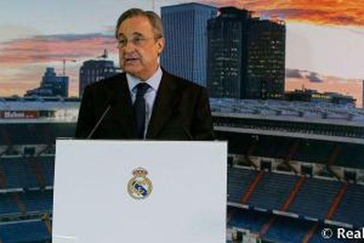 Presiden Real Madrid, Florentino Perez, berikan sambutan pada malam perayaan Natal pada Senin (21/12/2015).