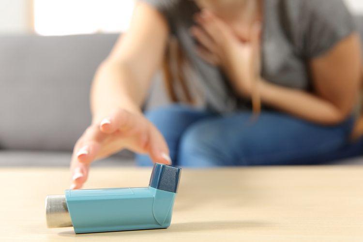 Ilustrasi inhaler untuk meredakan gejala serangan asma.
