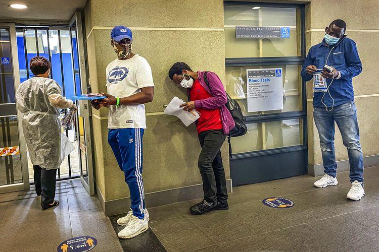 Afrika Selatan bersiap menghadapi gelombang kedua, karena banyak orang akan bepergian provinsi untuk liburan dan mengunjungi keluarga mereka.