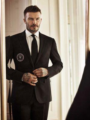 David Beckham dengan setelan Ralph Lauren berlogo Inter Miami CF