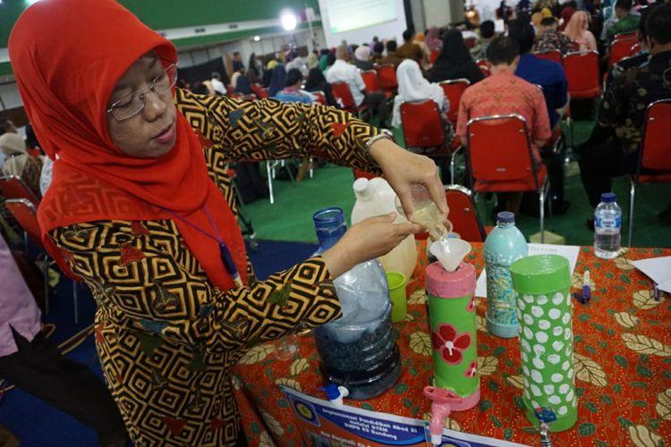Hasil inovasi STEM siswa SMPN 23 Bandung memecahkan masalah krisis air bersih yang terdapat di sekolah.