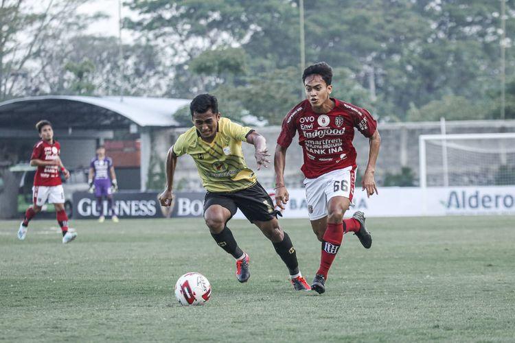 Pertandingan ujicoba terakhir rangkaian tur Bali United bertajuk Tour de Java melawan melawan Barito Putera yang berakhir dengan skor 2-0 di Lapangan Lestarindo Sports Garden Boyolali, Jumat (18/6/2021) sore