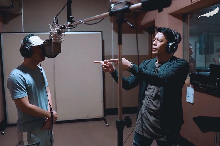 Bidik layar video YouTube NOAH berjudul Separuh Aku - NOAH Feat. Raditya Dika.