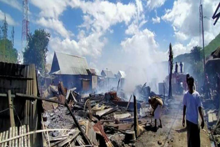 Kebakaran hebat melanda Desa Ngali, Kecamatan Belo, Kabupaten Bima, NTB, Jumat (08/05/2020). Puluhan rumah dilaporkan ludes terbakar.