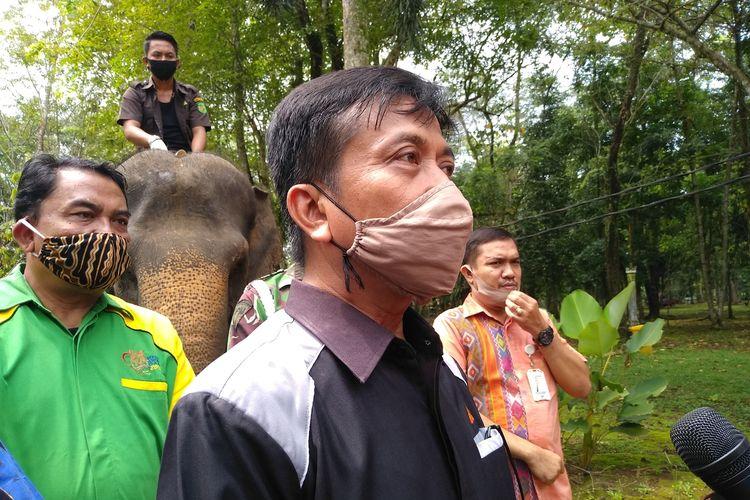 Direktur Utama Perusahaan Daerah (PD) Pembangunan Kota Medan Putrama Al Khairy saat menjelaskan pembukaan Medan Zoo gratis selama 4 hari, dimulai Selasa (1/7/2020) sebagai uji coba penerapan new normal, sebelum dibuka resmi per 5 Juli 2020.