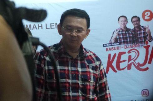 Disambut Meriah Warga di Rumah Lembang, Ahok Kena Cubit di Lengan