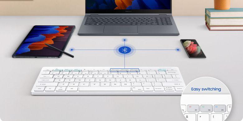Samsung Smart Keyboard Trio 500 bisa terhubung ke tiga perangkat sekaligus.