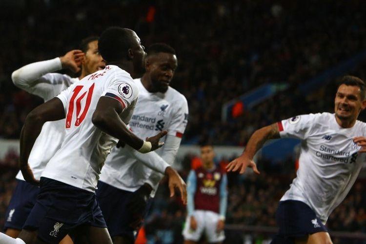 Sadio Mane merayakan golnya pada pertandingan Aston Villa vs Liverpool dalam lanjutan Liga Inggris di Villa Park, 2 November 2019.