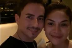 Cium Pebalap Jorge Lorenzo, Nikita Mirzani Ungkap Hubungan Mereka