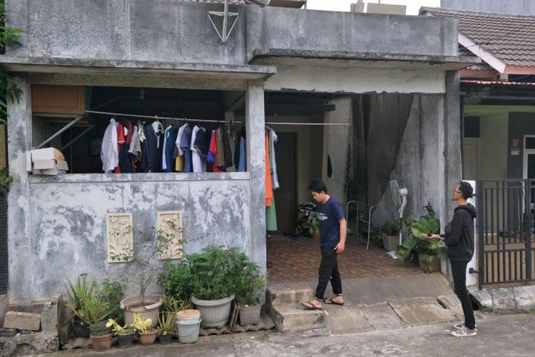 Rumah IY, terduga perekam dan Penyebar Video HS, tersangka yanh mengancam penggal kepala Presiden Joko Widodo di Grand Resident City Cluster Prapanca 2, Setu, Kabupaten Bekasi, Rabu (15/5/2019).