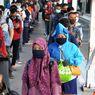 Cerita Penumpang KRL yang Pasrah Terjebak Antrean Panjang di Stasiun Bogor