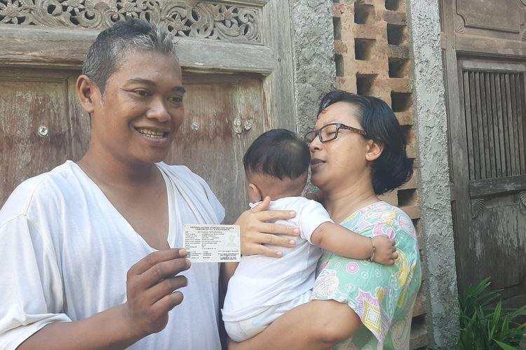 Alhamdulillah Rejeki Hari Ini Bayi Berusia 5 Bulan bersama orangtuanya di rumahnya di Kecamatan Kasihan, Bantul, Rabu (5/2/2020)