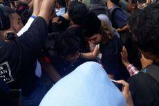 Dul Jaelani Jatuh Terdorong Massa Saat Jemput Ahmad Dhani di Rutan Cipinang