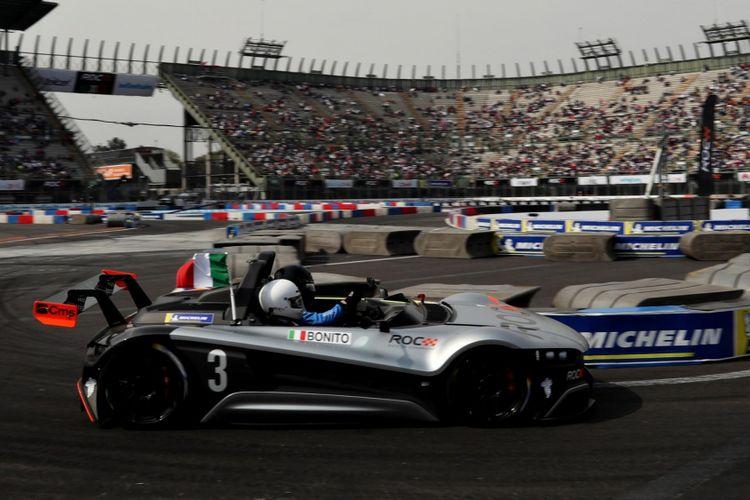 Gamer e-Sports asal Italia, Enzo Bonito tampil di ajang Race of Champions 2019, mengalahkan mantan pebalap F1 Lucas di Grassi.