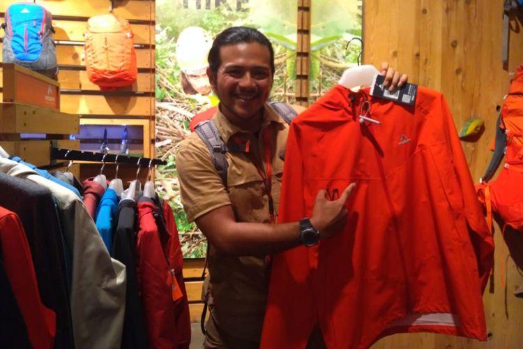 Ramon Y Tungka ditemui di toko Eiger Adventure, Bandung, Senin (5/11/2018) malam.