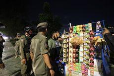 Cegah Penyebaran Covid-19, Petugas Tertibkan PKL di Jalan Danau Sunter Selatan