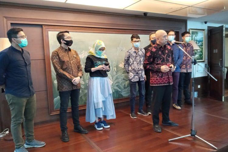 Menkop UKM Teten Masduki bersama ke-8 Startup, di Jakarta, Rabu (15/7/2020).