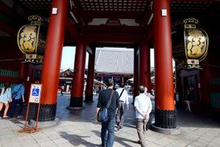Pintu Gerbang Kuil Asakusa, Tokyo, Jepang.
