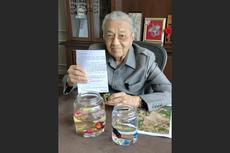 Ketika Mahathir Beli Ikan Cupang untuk Bantu Usaha Lokal Malaysia