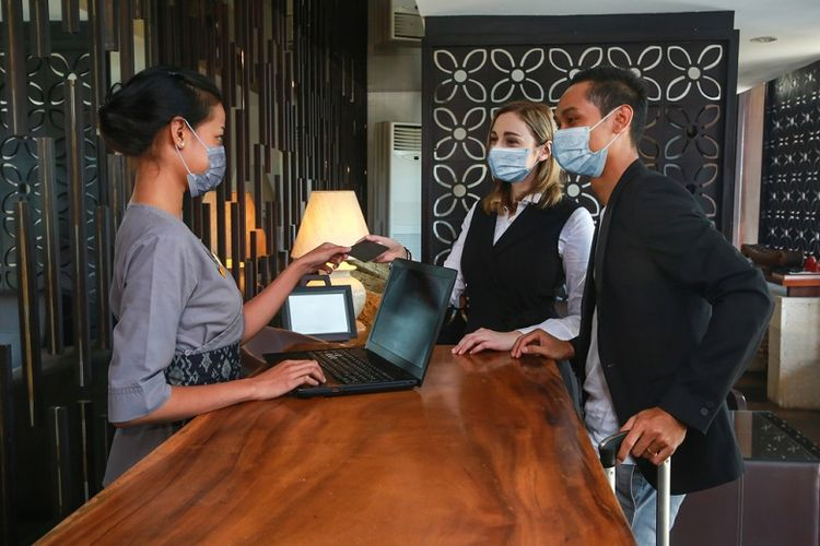 Ilustrasi penerapan protokol CHSE di hotel.