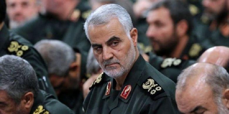 Mayor Jenderal Qasem Soleimani, komandan Pasukan Quds yang merupakan cabang dari Garda Revolusi Iran. Soleimani disebut tewas dalam serangan yang terjadi di Bandara Internasional Baghdad, Irak, Jumat (3/1/2020). AS mengumumkan mereka yang melakukan serangan atas arahan presiden.