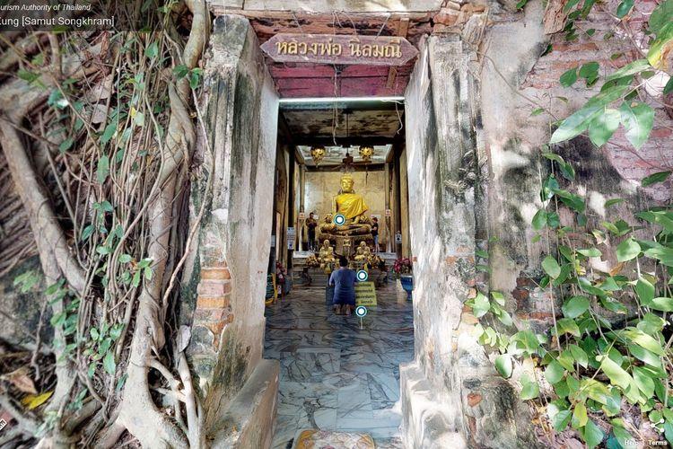 Wat Bang Kung di Provinsi Samut Songkhram, Thailand, menyimpan patung Buddha raksasa yang biasa disebut Luangpho Bot Noi oleh warga setempat.