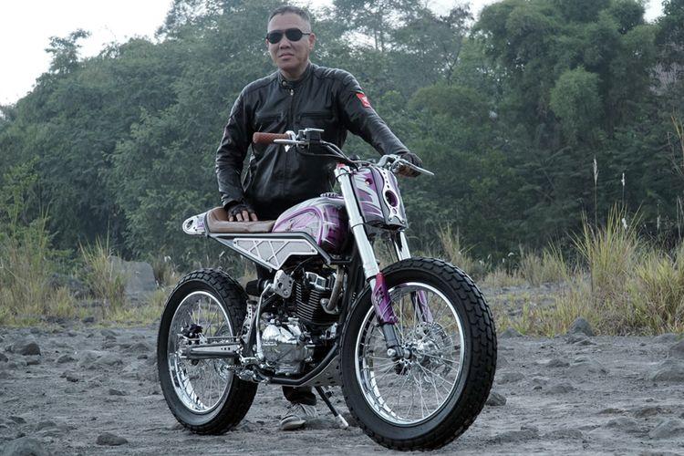 Hasan Law, punggawa dari Pandawa Motorbikes, asal Sidorajo, Jawa Timur.