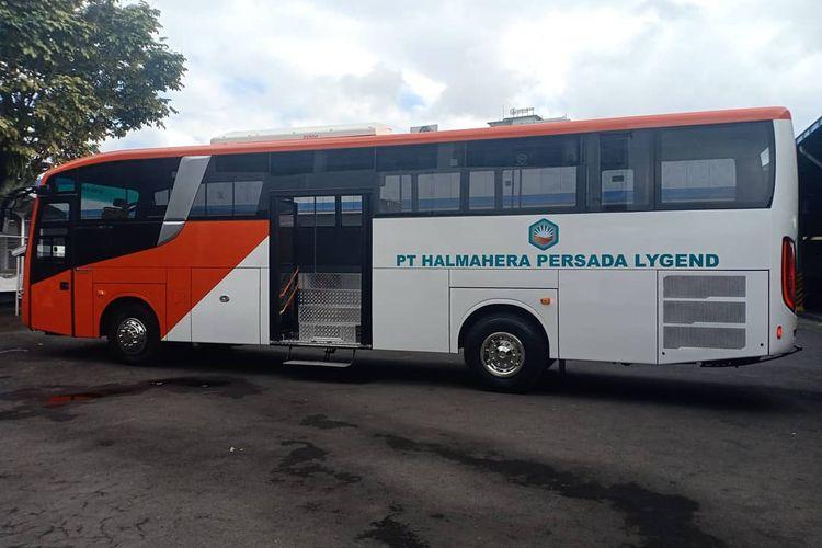Bus tambang buatan karoseri New Armada