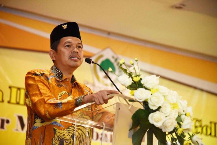 Ketua DPD Partai Golkar Jawa Barat Dedi Mulyadi saat memberikan sambutan di hadapan seluruh kader dan pengurus partainya di seluruh Kota/Kabupaten Jawa Barat di kantornya, Selasa (26/9/2017).