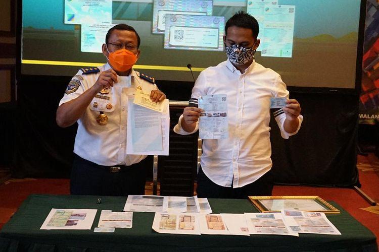 Uji KIR Elektronik atau BLUE dipalsukan di Singosari, Malang.