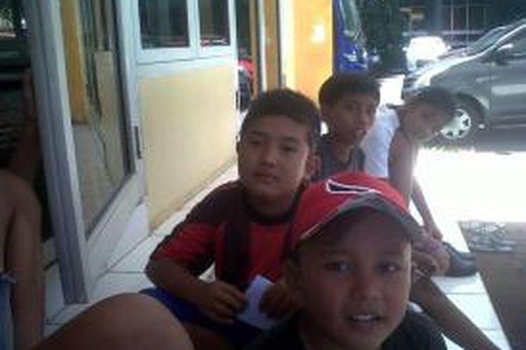 Bocah-bocah pemburu THR di Kantor Gubernur Bengkulu